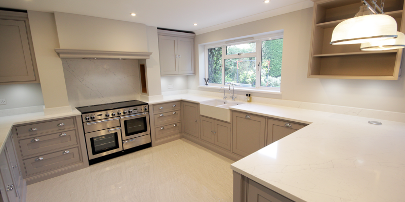 We used a classic carrara type quartz work surface with matching upstands and window sill.